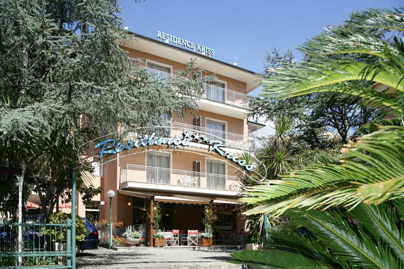 Appartamenti liguria casa vacanze liguria for Arredamento hotel liguria
